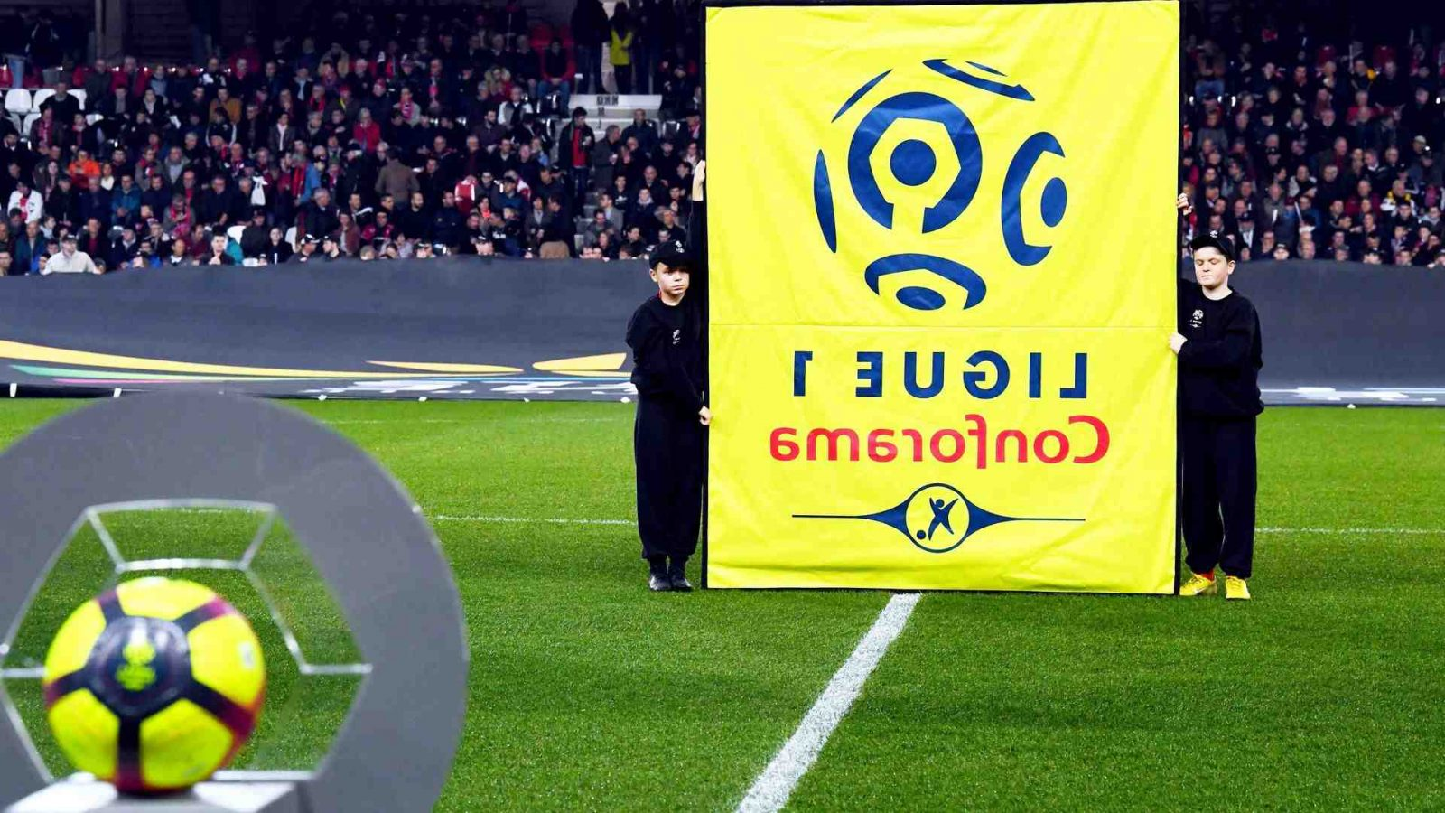 """Football: """"Avec Canal +, et tous les amateurs de foot, il faut chercher des solutions pour que les droits"""