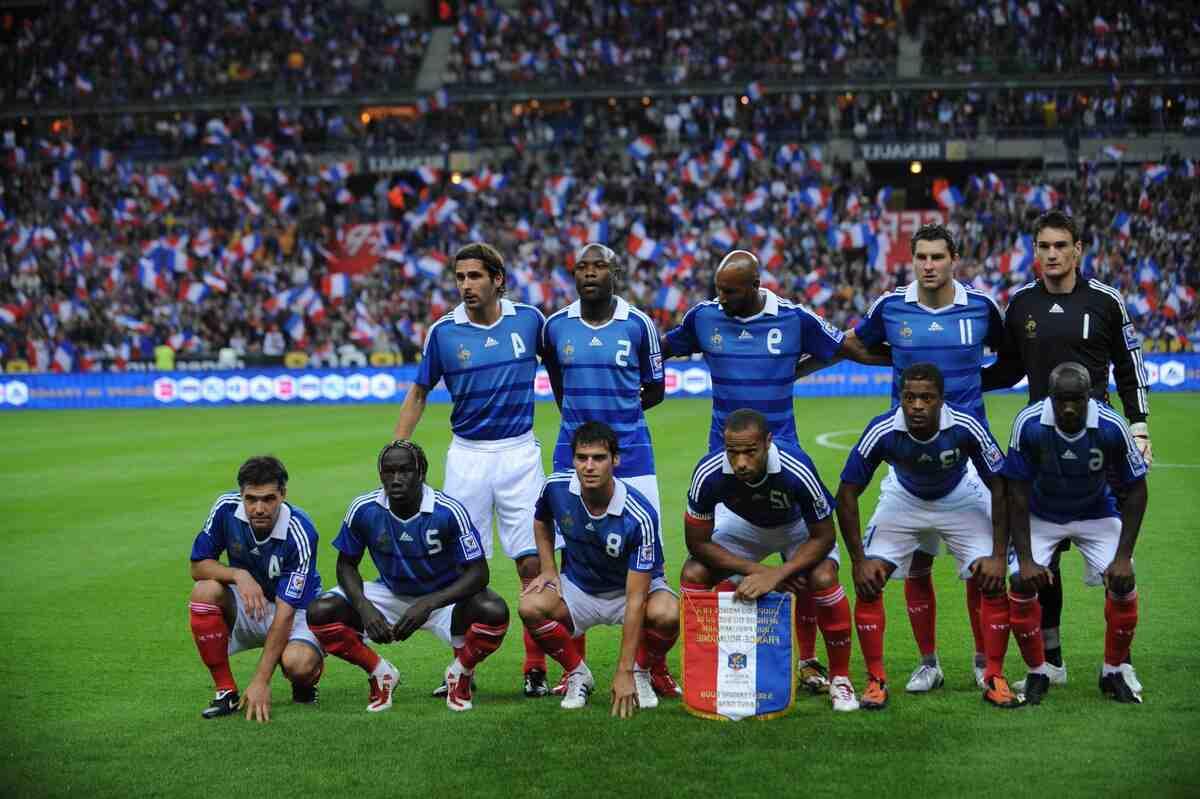 Football: les Bleus gagnent sans briller en Bosnie (0-1)